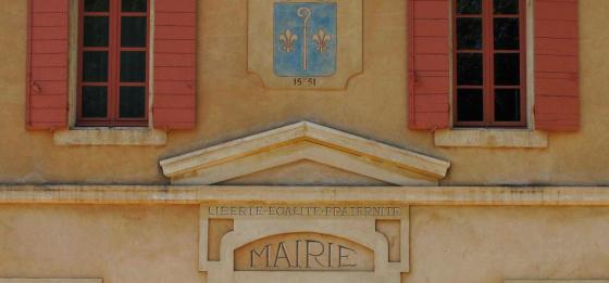 mairie-saint-mitre-les-remparts