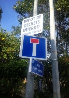 panneau interdiction rue jean giono